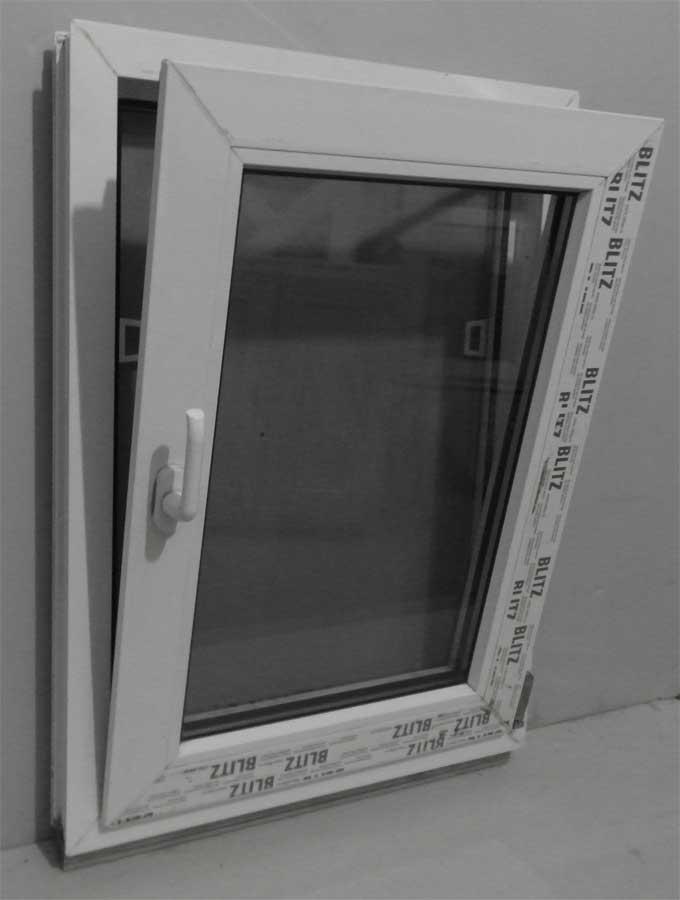 Окно REHAU Blitz одностворчатое